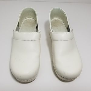White Leather Professional Clogs Size 38 Dansko